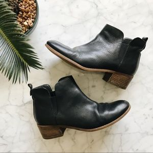 Tommy Hilfiger Black Leather Ankle Boots - 8M